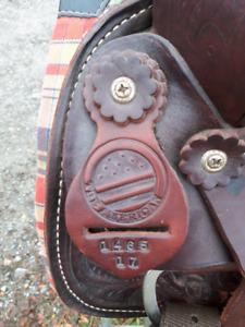 """17"""" new western saddle"""