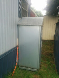 Oil tank with 5/8 tank, 4 year old oil furnace, Central air ac u