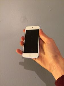 iPod Touch 6 Generation! (Comes with case!)