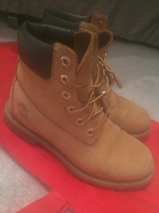 Tan Timberlands - size 6.5