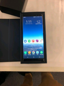 Samsung Note 8 with Wireless Charger and 128 GB microSD Card