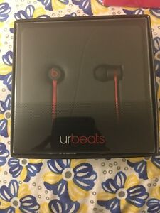 Selling my beats brand new for $80 only Regina Regina Area image 2