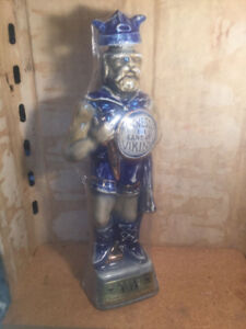 Vintage Jim Beam Minnesota The Land of Vikings Whiskey Decanter