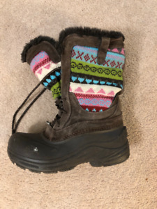 Girls North Face Boots - Size 5
