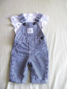 Very good condition Carter's baby clothes 0 to 3 months