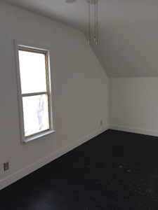 Large Master Bedroom for Rent––Available July 1st!