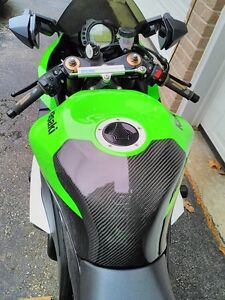 KAWASAKI ZX10R 2009 SPECIAL EDITION WITH EXTRAS Windsor Region Ontario image 10