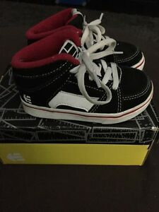 Etnies shoes Toddler size 7