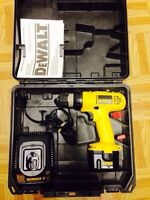 Dewalt 12 volt drill kit