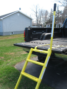 TAILGATE TRUCK STEP ****NEW**** REDUCE TO SELL