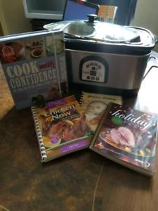 BRAVETTI Slow Cooker w/Cook Books