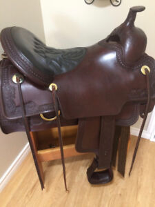 Tucker Elkhorn Western Saddle in new condition.rd