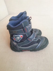 Geox Boys Winter Boots size 8
