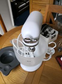 Kitchen Aid Artisan 4.8L Mixer