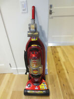 BISSEL UPRIGHT VACUUM CLEANER,