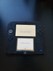 Nintendo 2ds (No charging cable)