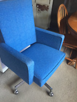 ♥ Very cool upholstered retro desk/office chair.  Back rest heig