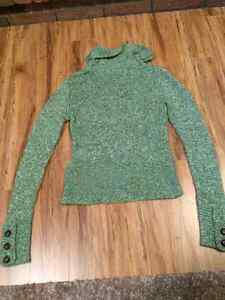 Green sweater Kitchener / Waterloo Kitchener Area image 2