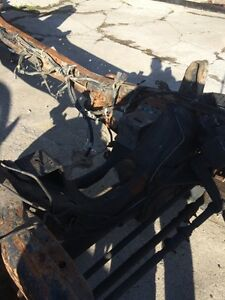 1999 ford f 350 4x4 truck frame and axles Kawartha Lakes Peterborough Area image 3