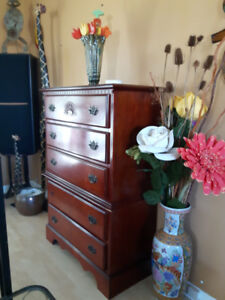 Queen bed and two dressers