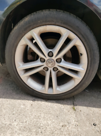 Vauxhall Insignia 18 inch alloys set with tyres and nuts 2011 estate