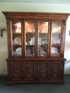 SOLID OAK HUTCH & DINING TABLE/6 CHAIRS