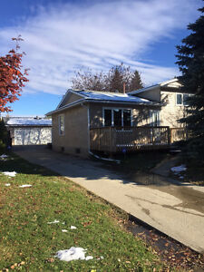 THIS AMAZING SPLIT LEVEL IN LEDUC IS WAITING FOR YOU!