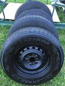 4 Rims + winter tires/ Yokohama Geolandar / 245 70 16