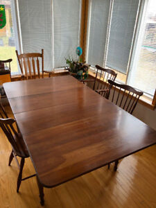 American Cherry Dining Set