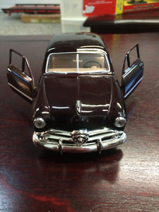 Voiture de collection Ford Coupe 1949 / car collector