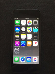Store Sale iPod Touch 6 16GB mint condition $180
