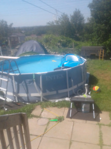 Pool and pool heater 400