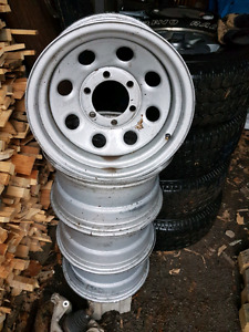 "Roues 15"" camion Toyota"