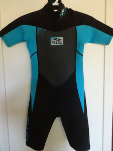 Fluid Shorty wetsuit, size 10 (child) Blue and black