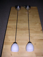 Hanging lights with halogen bulbs, great condition