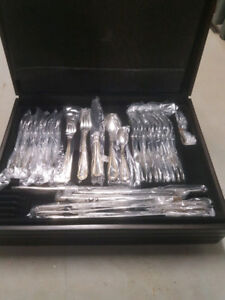 84 piece flatware/silverware set