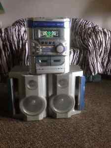 Music system in excellent condition!! Cambridge Kitchener Area image 2
