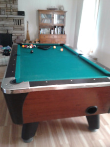 Dynamo pool table and accessories free