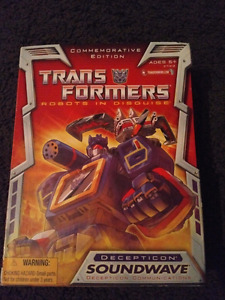 Hasbro Commemorative Soundwave Transformers SEALED NEW