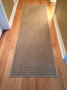 Hallway Runner in excellent cond. never used size 6 ft. 24 inch