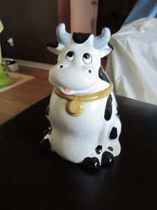 COOKY JAR, THE COW