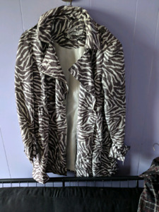 NEED TO GO BY EASTER SUNDAY : Womans coats