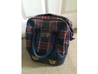 Thomas Taylor Lawn Bowls and Bag. Size 5