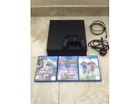 PlayStation 4 with games (Minecraft + FIFA)