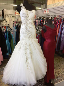 Prom, Grad, Special Occasion, Evening & Bridal Dress for SALE! London Ontario image 6