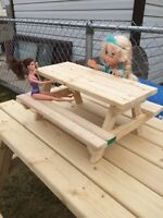 Doll picnic tables