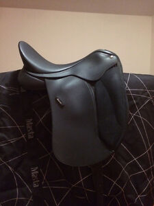 New Wintec dressage saddle and inserts