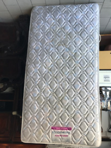 Simmons Elegance Luxury mattress for kids bed