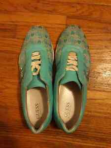 Guess shoes  Stratford Kitchener Area image 3