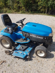 New Holland GT 20 Lawnmower with 60 inch mower deck